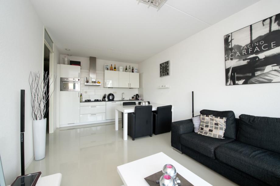 Appartement te huur doortocht nieuwerkerk a d ijssel voor 995 mnd - Gemeubileerde woonkamer ...