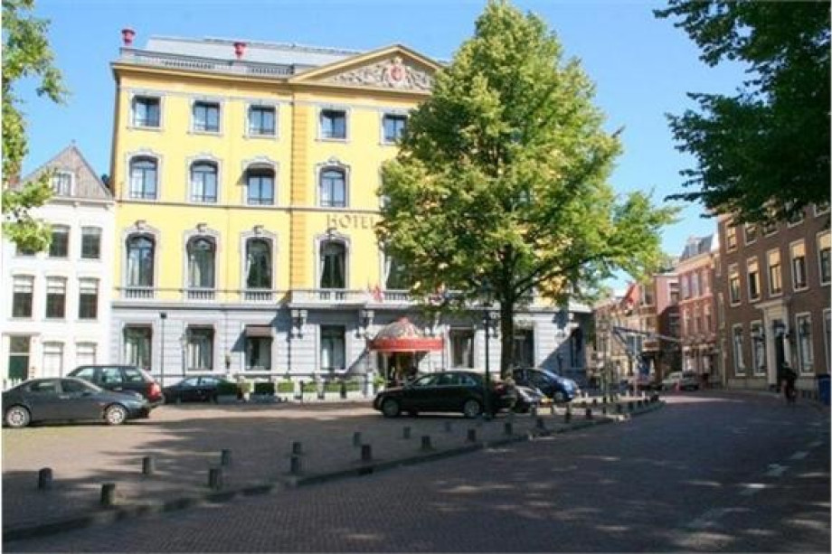 Apartment for rent jagerstraat den haag for 1 950 for Room for rent den haag