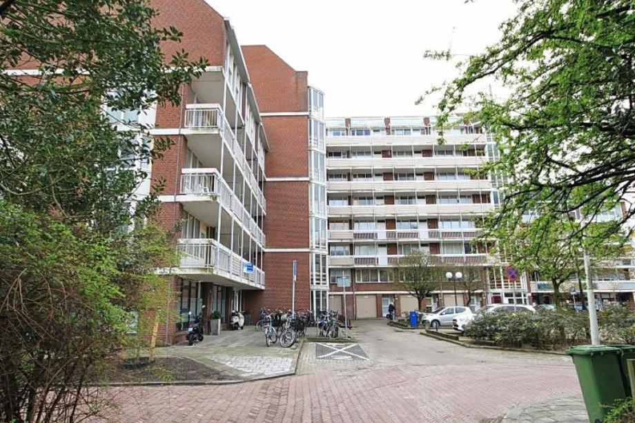 Apartment for rent den haag frederikstraat 840 for Room for rent den haag