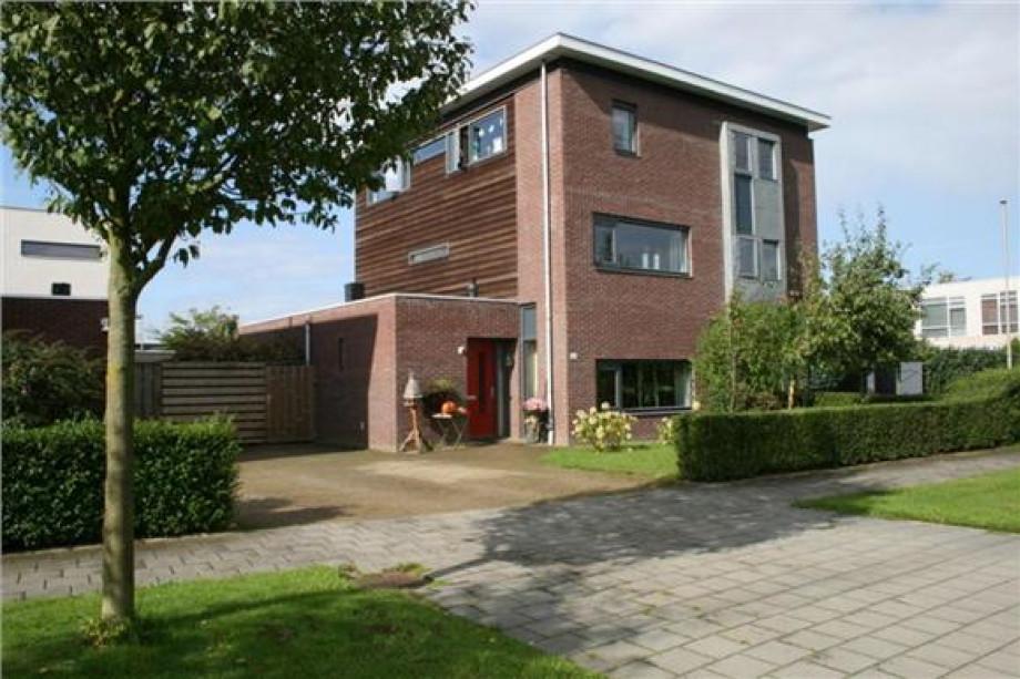 ... Gelderland Apeldoorn Apeldoorn Oost Huurwoning De Buitentuin: https://www.pararius.nl/huurwoning-te-huur/apeldoorn/PR0001320773...