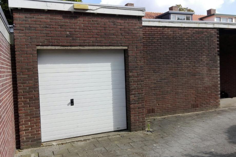 Garage in affitto diependaalselaan hilversum 175 for Garage in affitto