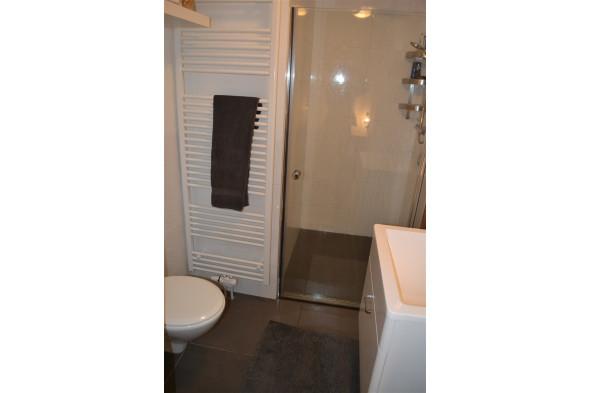 Huurwoning te huur herengracht 107 muiden voor 2150 - Plan ouderslaapkamer met badkamer en kleedkamer ...