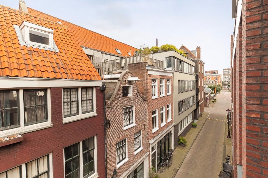 Rode Vloerbedekking Slaapkamer : Pararius Huurwoningen Noord-Holland ...