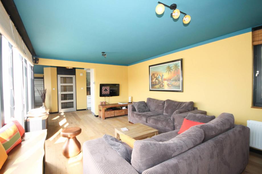 Apartment for rent gevers deynootplein den haag for 2 150 for Room for rent den haag