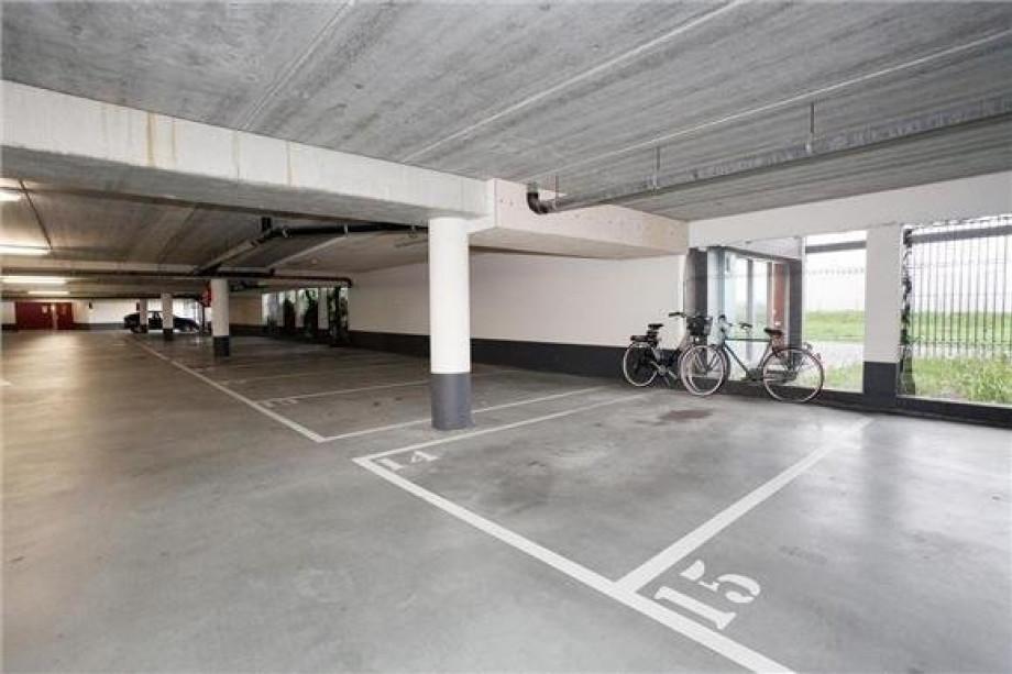 Appartement te huur bas paauwestraat rotterdam voor 1095 for Auto interieur reinigen rotterdam