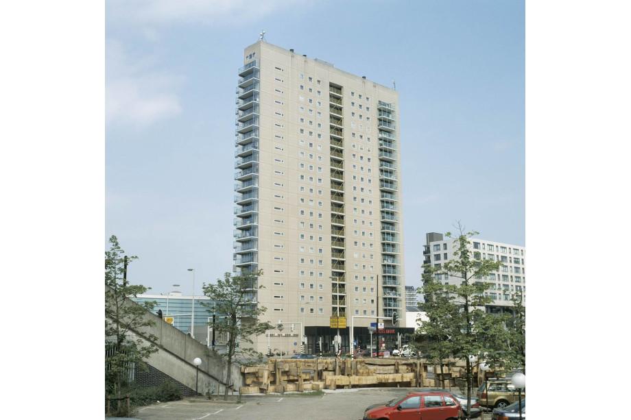 Huurwoning te huur strevelsweg rotterdam voor 772 for Makelaar huurwoning rotterdam