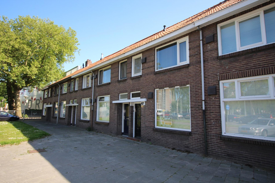 https://media.pararius.nl/image/PR0001351000/PR0001351793/image/jpeg/613x920/EindhovenPastoriestraat-d57a_1.jpg