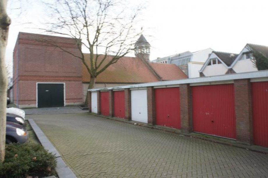 Garage te huur mineurplein bergen op zoom voor 102 for Bergen garage door