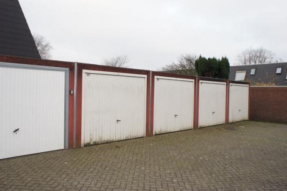 Garage te huur lambertijnenlaan bergen op zoom voor 97 for Bergen garage door