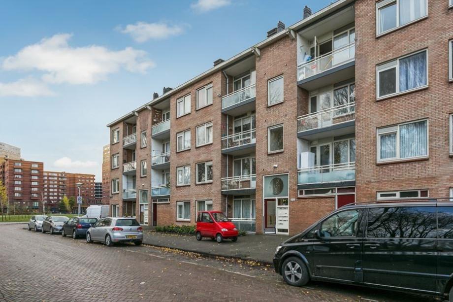 Apartment for rent: Alkmaarstraat, Amsterdam for €1,200