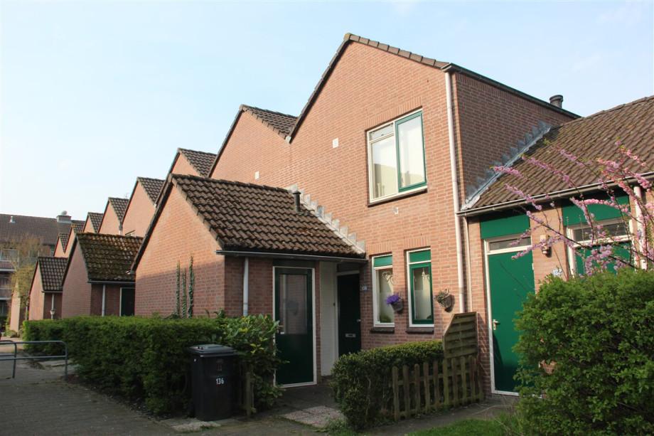 Pararius Huurwoningen Zuid-Holland Zoetermeer Buytenwegh - De Leyens ...
