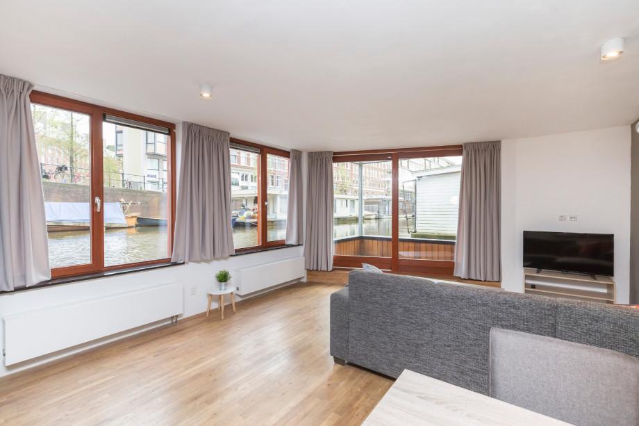 Casa galleggiante in affitto hugo de grootkade amsterdam for Stanze ad amsterdam