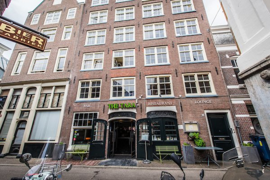 Apartment for rent: Nes, Amsterdam for €2,200