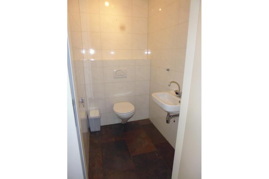 Huurwoning te huur van dijklaan waalre voor mnd - Plan ouderslaapkamer met badkamer en kleedkamer ...
