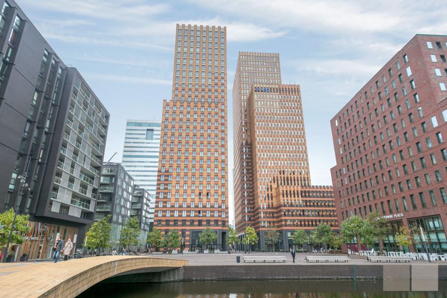 Apartment for rent: Gustav Mahlerplein, Amsterdam for €2,750