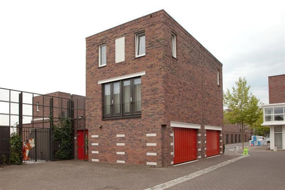 location maison de famille den bosch parcivalring prix 1 350. Black Bedroom Furniture Sets. Home Design Ideas