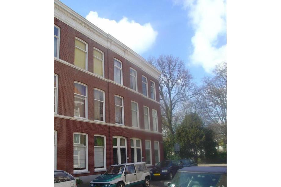 Apartment for rent lombokstraat 8 den haag for 2 450 for Room for rent den haag