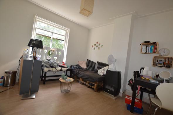 Living Room Zwolle room for rent: van ittersumstraat, zwolle for €270