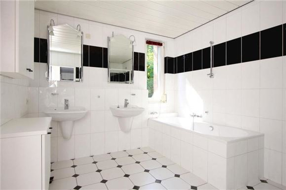 Location villa valkenswaard de vlasakker prix 2 850 for Carrelage 55x55