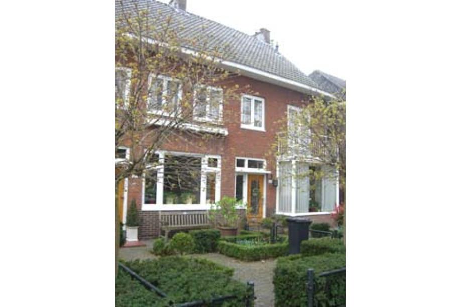 Et maisons utrecht utrecht oost maison de famille koningsweg - Magasin maison de famille ...
