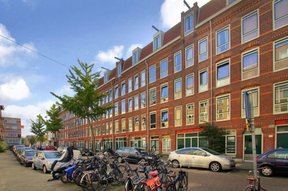 Apartment for rent: Borgerstraat, Amsterdam for €1,700