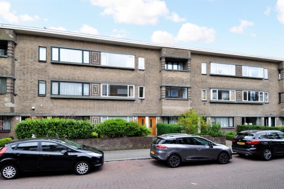 Apartment for rent stalpertstraat 75 den haag for 1 900 for Room for rent den haag