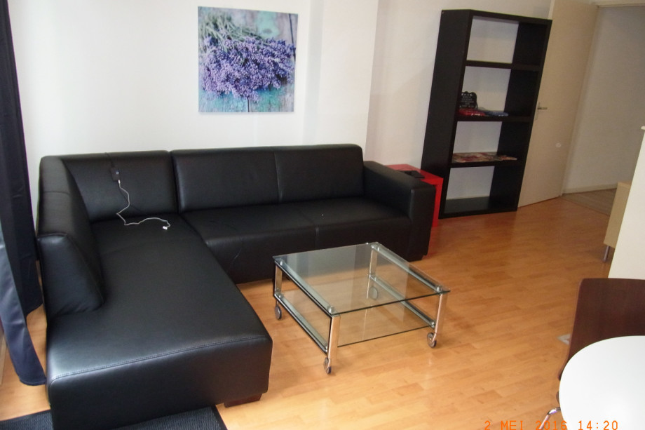 Location appartement utrecht herenweg prix 1 300 for Location monte meuble prix
