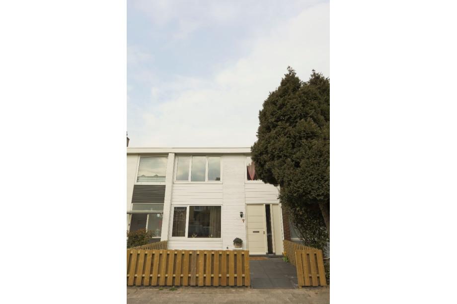 Casa en alquiler brantwijk 7 amstelveen for Casa vivienda jardin pdf