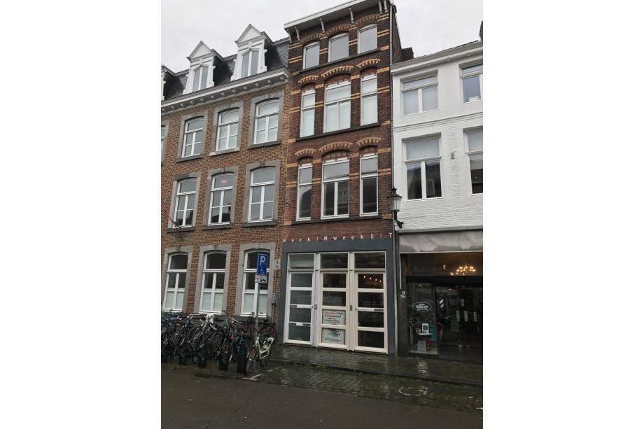 Location appartement maastricht hoogbrugstraat prix 825 for Location garde meuble prix