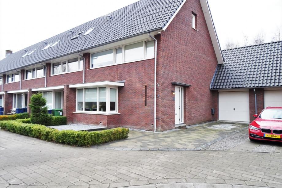 Garage Huren Almere : Huurwoning te huur: sprietzeil almere voor u20ac 2.400 mnd
