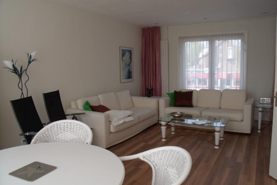 Location appartement amstelveen hueseplein prix 1 850 for Location monobrosse carrelage