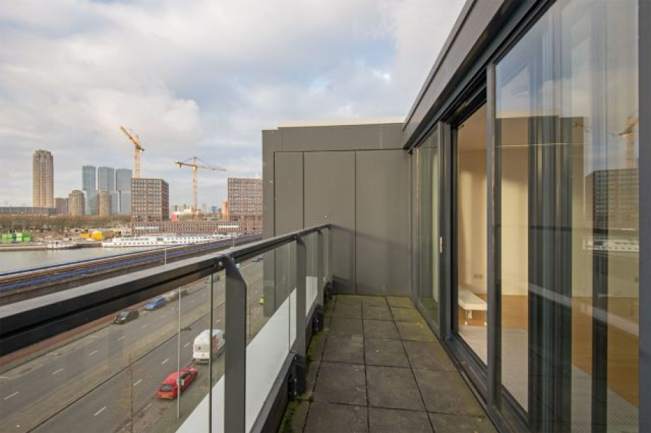 Apartment for rent: Maashaven O.z., Rotterdam for €1,995