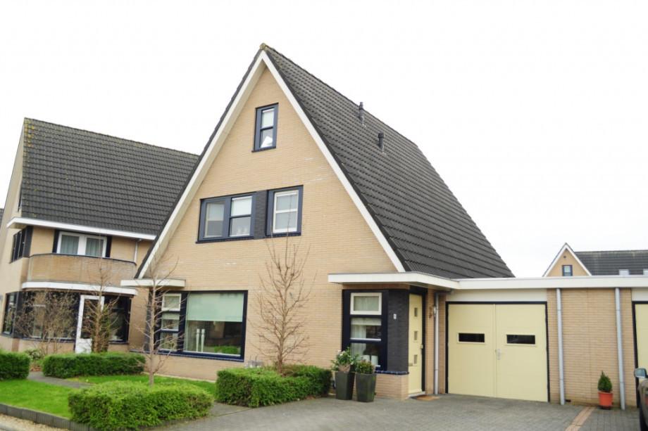 Huurwoning Met Garage : Huurwoning te huur aloysiusstraat wolvega voor u ac mnd