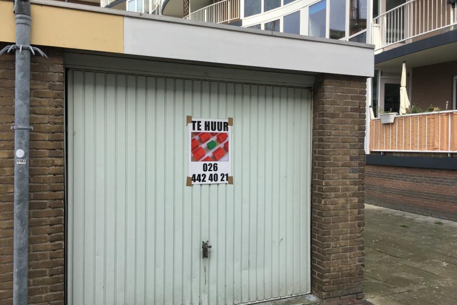 Garage Huren Leiden : Garage for rent: barnsteenpad 30 leiden for u20ac150