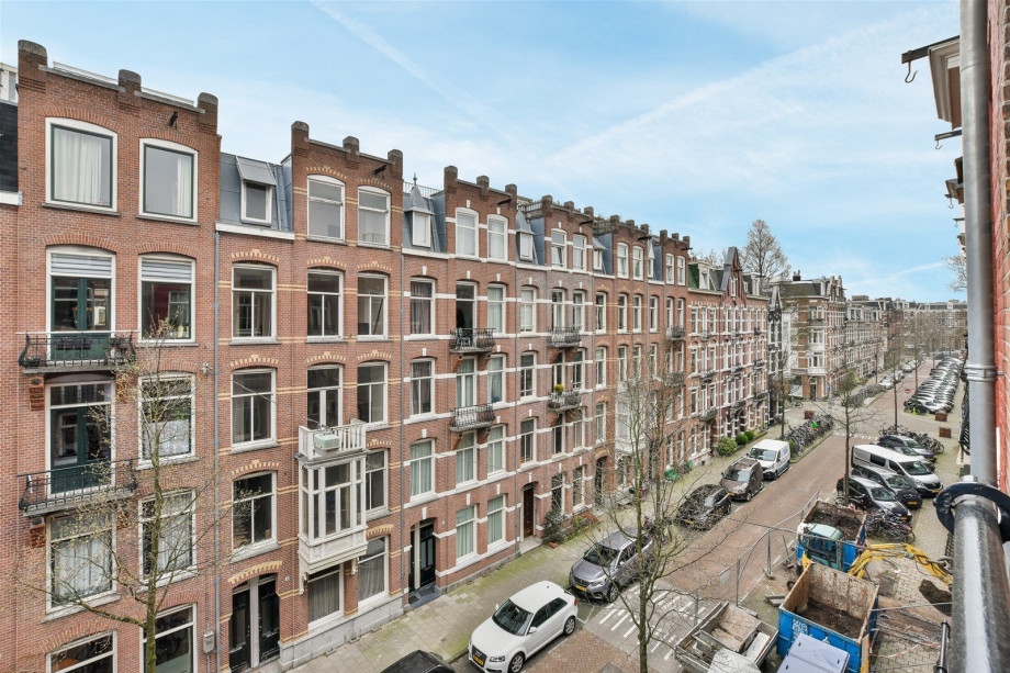 Apartment for rent: Derde Helmersstraat, Amsterdam for €2,500
