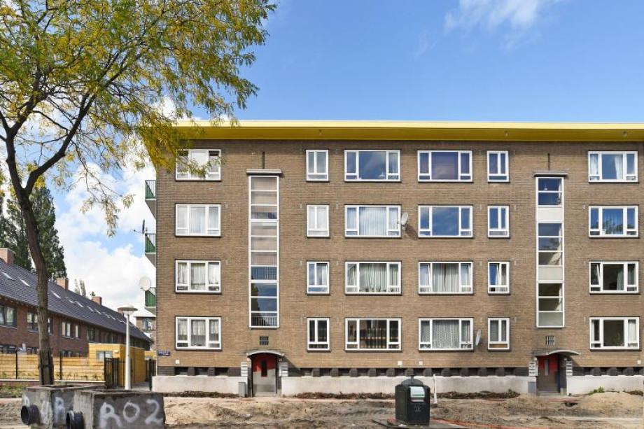 Apartment for rent: Lucellestraat 9-3, Amsterdam for €1,300